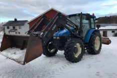 Vendo Tractor Agricola New Holland TL100