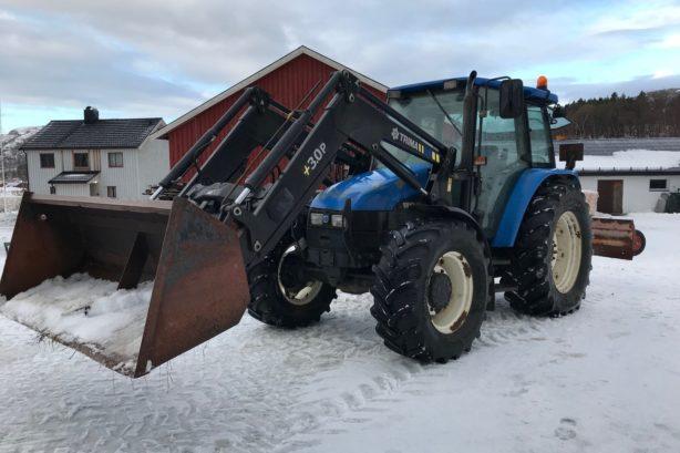 Vendo Tractor Agricola New Holland TL100