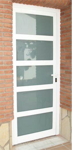 Puertas en aluminio y vidrio